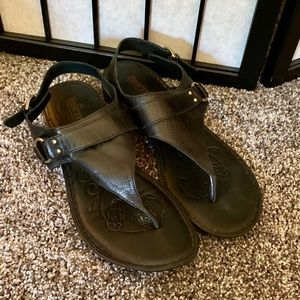 Born Black leather thong sandal with strap 11